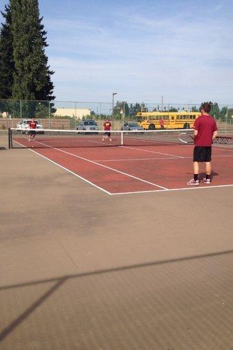 Boys Tennis Dominates Season