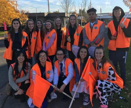 Key Club Volunteers for Halloween on Main Street