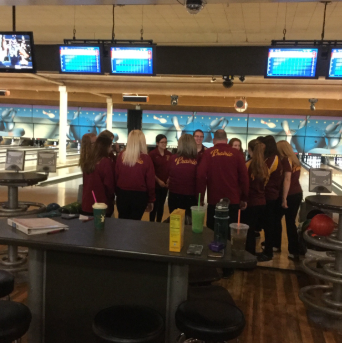 Prairie's Bowling Team Defeats the Battle Ground Tigers In Rivalry Match